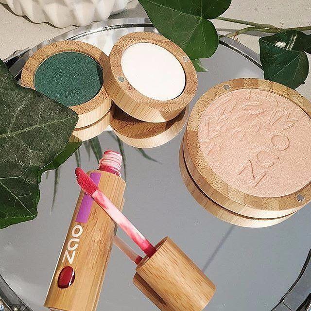 ZAO organik makyaj ürünleri, kullanımı kolay, kalıcı ve özenle hazırlanmış bir karışımın sonucudur.Fark edeceğiniz ilk şey ürün ambalajıdır. Bambu, hızla yenilenebilir doğal bir kaynaktır. Atık azaltmayı amaçlayan ZAO ürünleri yeniden doldurulabilir - sektöründe nadir.  ZAO organik makyaj ürünleri, derinin onarımına yardımcı olmak üzere organik silis ihtiva eder. Ve neredeyse tüm ZAO ürünlerinde mikronize gümüş tozu bulunmaktadır. www.zaoorganicshop.com