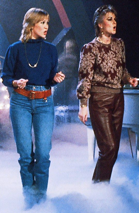 November 10th 1982: Agnetha and Frida during the rehearsals for Show Express on German tv.