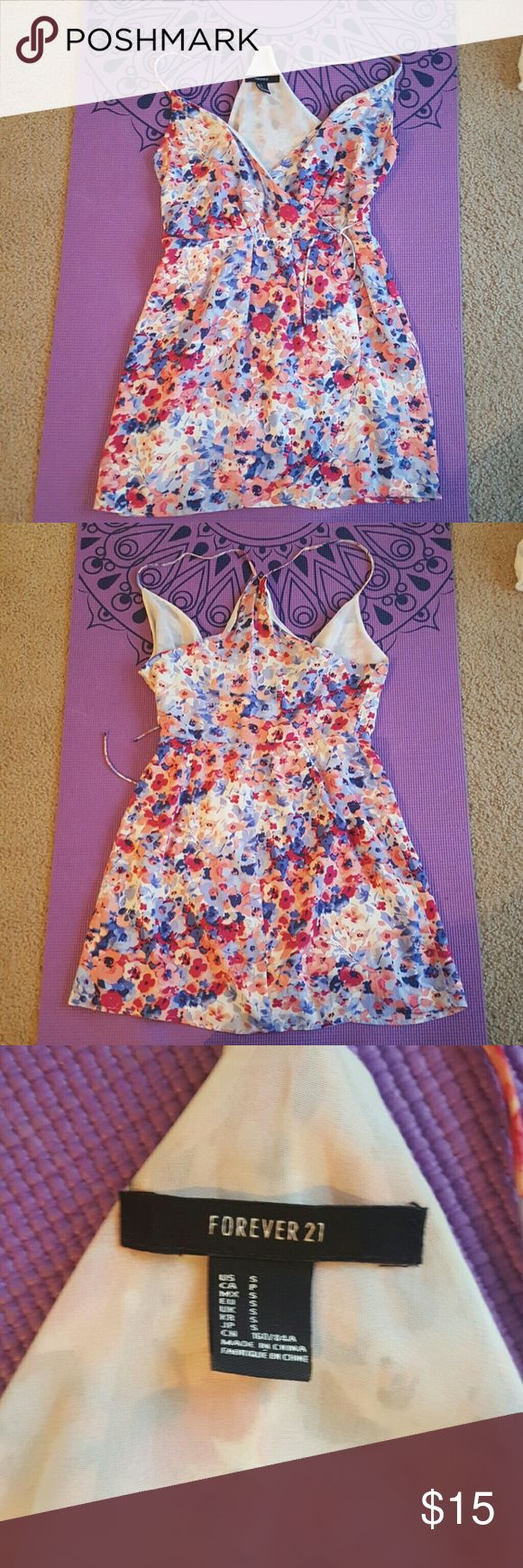Summer Dress Summer dress with side tie and flower design. Worn for graduation ceremony. Forever 21 Dresses Mini