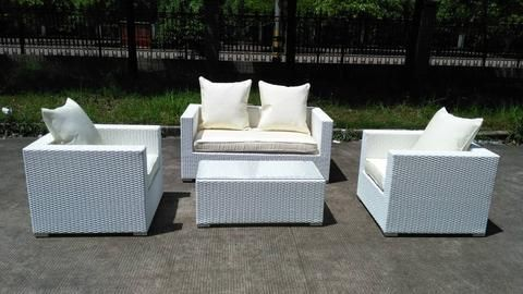 White Wicker Patio Furniture Look more at http://besthomezone.com/white-wicker-patio-furniture/18566