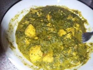 This recipe for chicken and spinach curry tastes and looks amazing at only 200 calories. This curry believe it or not is suitable if you are following the Cambridge Weight Plan on the sole source + plan to no more boring plain chicken :-)