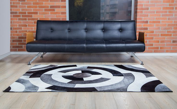 Nelore Rug - Tapete Nelore. Patchwork leather rug 100% handmade!! Gorgeous Tapetes en Cuero