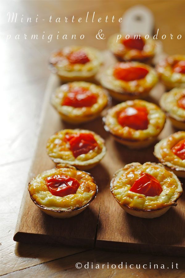 tartaletas de tomate parmesano