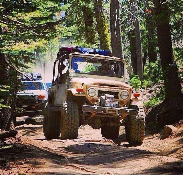Toyota Land Cruiser FJ40 Offroad adventure
