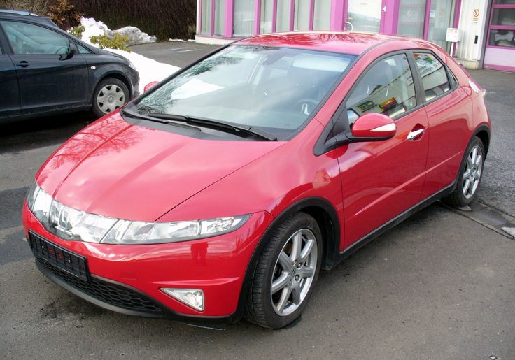 Honda Civic 8-го поколения: НЛО за земную цену