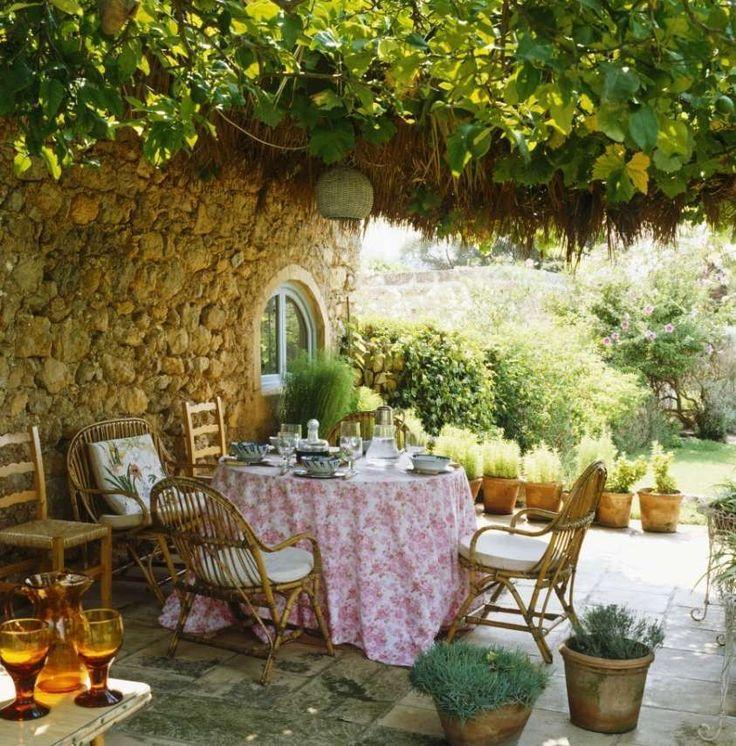 Come arredare la veranda in stile provenzale - Arredare veranda con piante