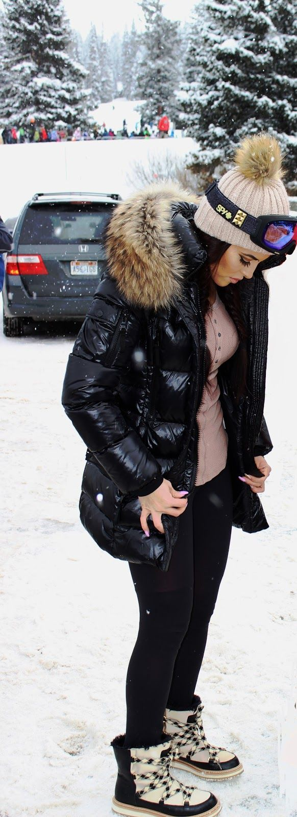 SARAH & ELIZABETH : Snowboarding trip kate spade samira, free people ski lodge, Lululemon, sam., leggings millennium, black patent down jacket, fur hoody, black plaid snow boots. fur pom pom. all black and nude.