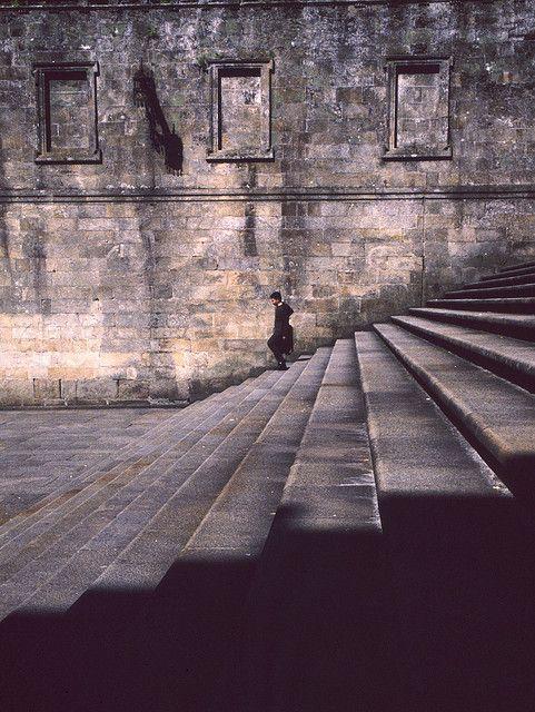 Escaleras plaza casa de la parra,imposibles subirlas de dos en dos
