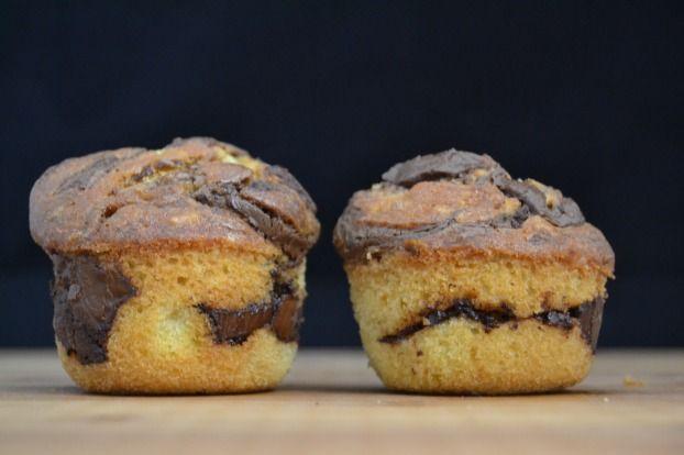"""750g vous propose la recette """"Muffins marbrés au Nutella"""" publiée par 750grammes."""