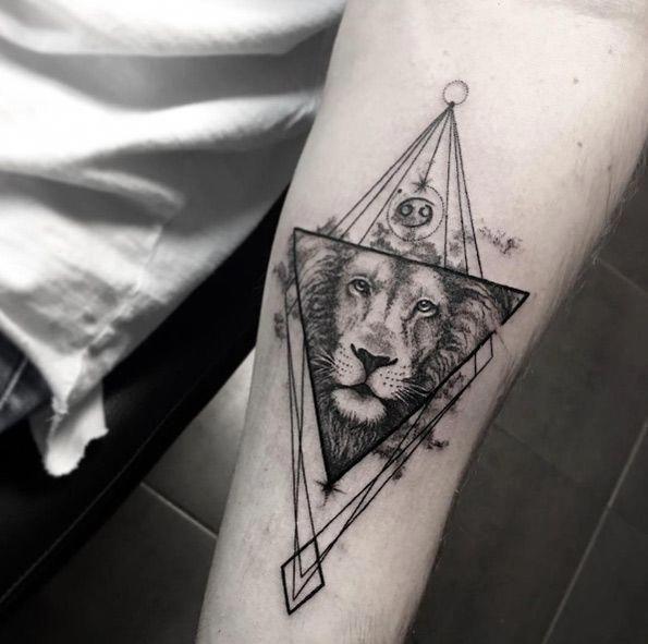 Tattoo Geometric Minimalist Geometrictattoos Geometric Tattoo Tattoos Geometric Lion Tattoo