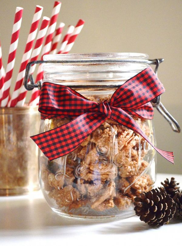Winter Wedding Favor DIY    #wedding #weddingideas #aislesociety #weddingfavors