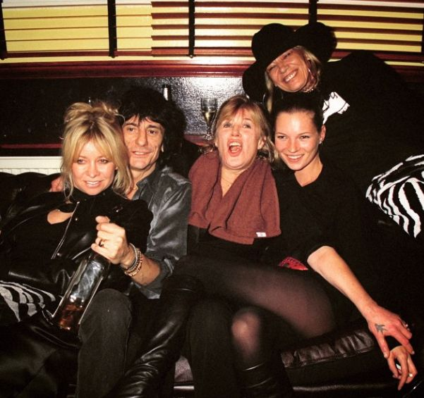 "vvvestvvood: ""Kate Moss, Marianne Faithful, Anita Pallenberg, Ronnie Wood, & Jo Wood photographed by Dave Bennett 1999 """