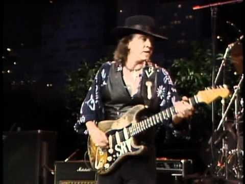 Stevie Ray Vaughan - Look at Little Sister (Live) (http://youtu.be/3woPVQExDsQ