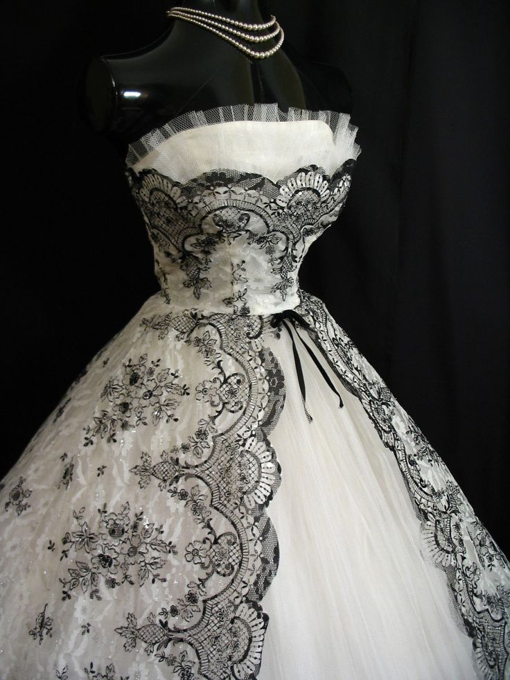1950s dress with black floral lace.