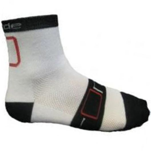 The Ronde Mid Rider Socks are competition grade cycling socks that are comfortable and great value. They are made with DuPont Coolmax yarn - a unique sports fibre that utilises thermal convection to draw moisture away from your skin while increasing air flow thus keeping you dry and fresh