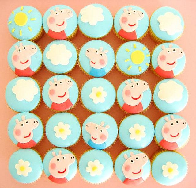 Peppa Pig Cupcakes by hello naomi, via Flickr