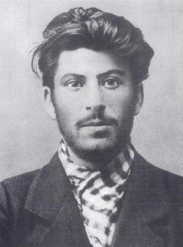 Young Stalin in 1902. Undeniably good looking.