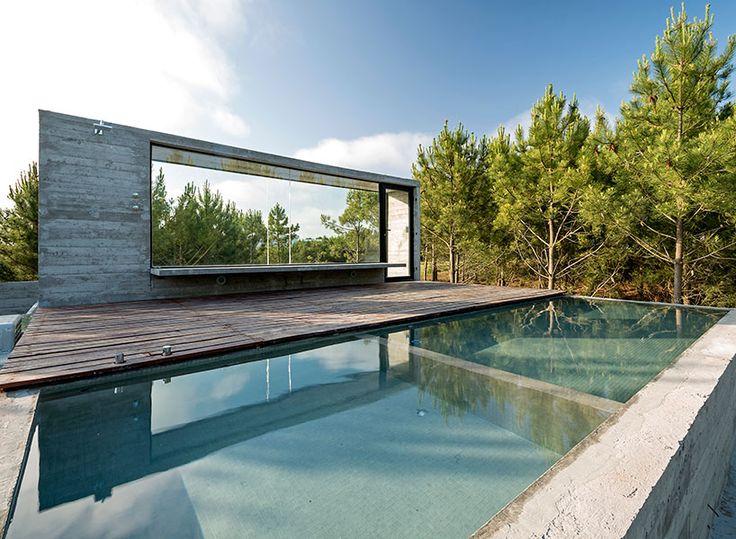 concrete casa l4 by luciano kruk enjoys ocean-side living