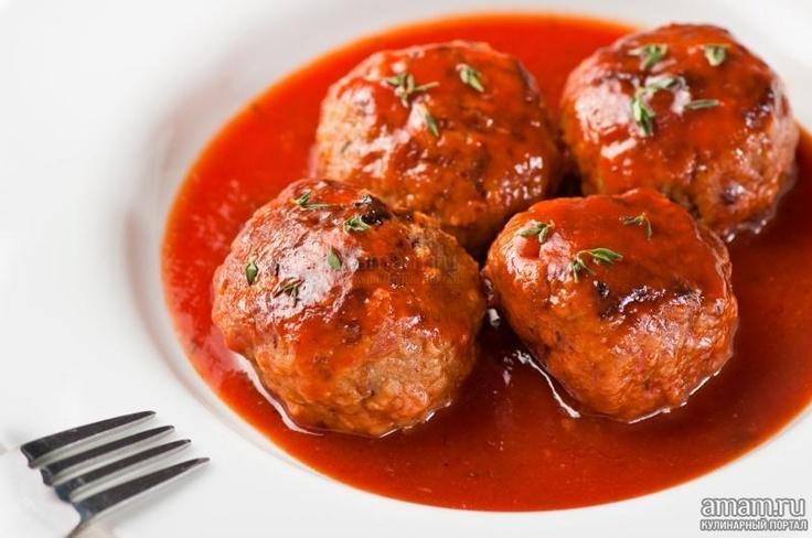 Тефтели по-домашнему в томатном соусе