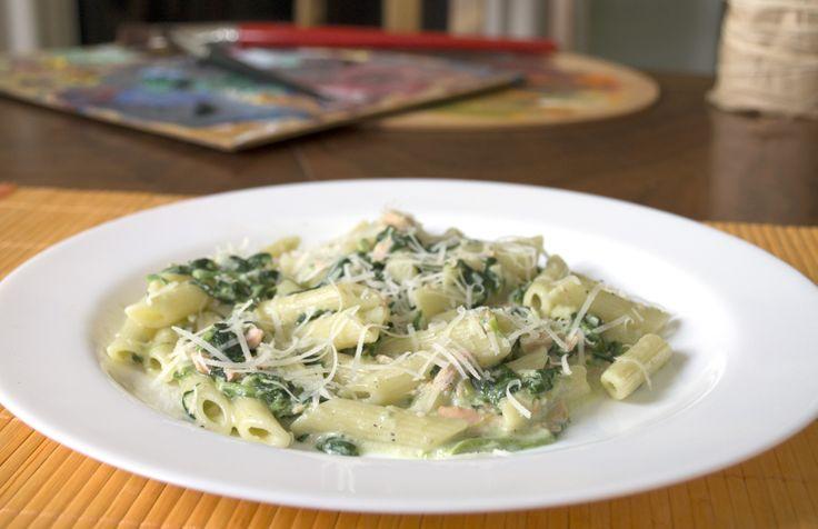 Penne con salmone e spinaci #italianfood, #pasta