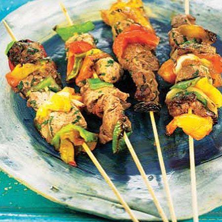Brochetas de ternera con pimientos #recipes #cuisine