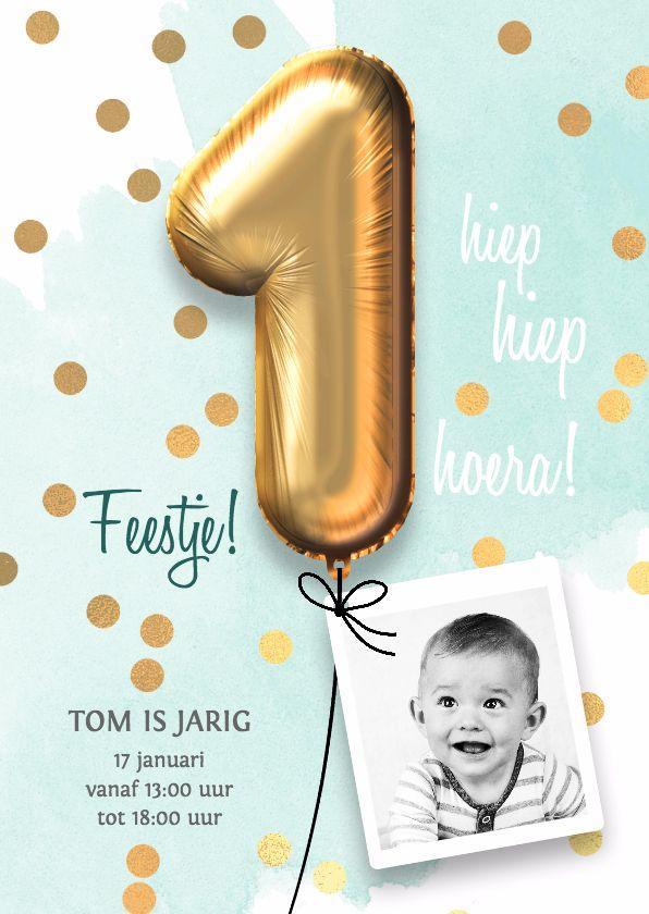 Hippe uitnodiging voor een 1e verjaardag. Met mintgroene aquarel, ballonnen en confetti, Dit kaartje is verkrijgbaar bij #kaartje2go voor €1,89