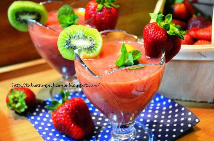 Smak, zapach, kolor, tradycja z nutką nowoczesności...: Smoothie -gęsty napój owocowy