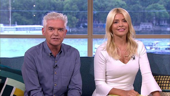 Holly Willoughby opens up about This Morning DEPARTURE: 'I don't want to think about it' - https://buzznews.co.uk/holly-willoughby-opens-up-about-this-morning-departure-i-dont-want-to-think-about-it -