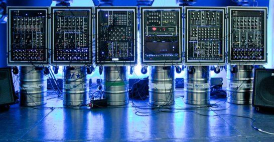 wall-of-doom-synthesizer.jpg (546×284)