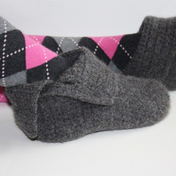$4.99Crochet Projects, Felt Lady, Felt Baby, Lady Slippers, Slippers Crochet, Knits Slippers, Simply Felt, Crochet Patterns, Design Knotsewcut