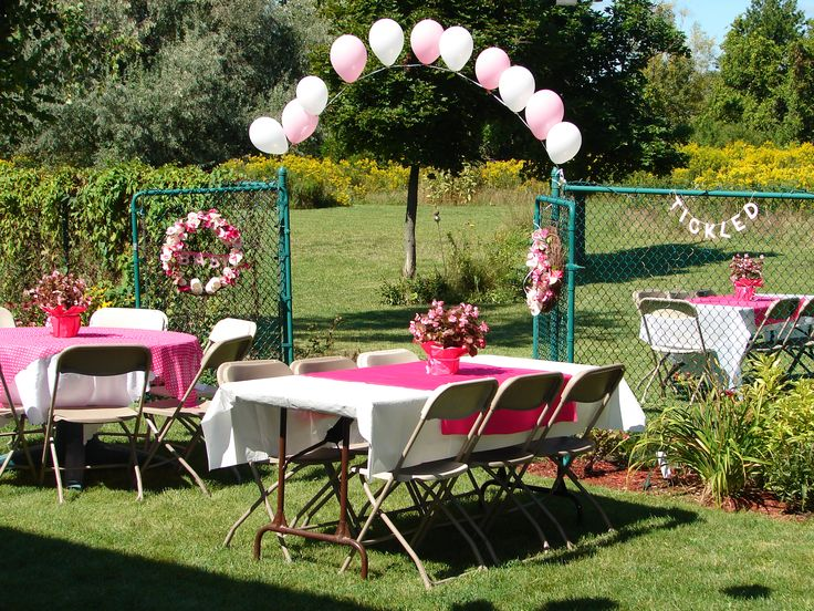 pink and white balloons for entrance