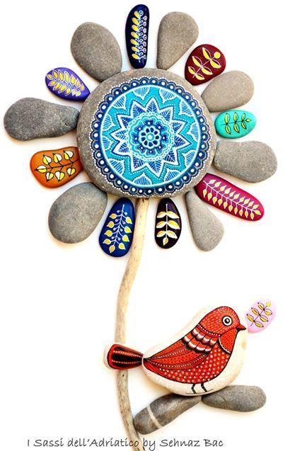 Hand Painted Stone art by ISassiDellAdriatico