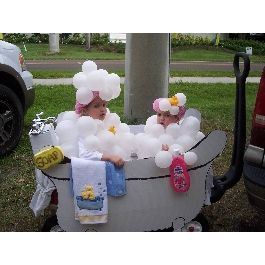 princess kid wagon for halloween | Kids in a Bubble Bath Group Costume | Group Halloween Costumes ...