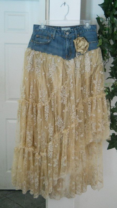 DIY denim and lace skirt – upcycled blue jeans into lacy ruffled #Beautiful Skir…