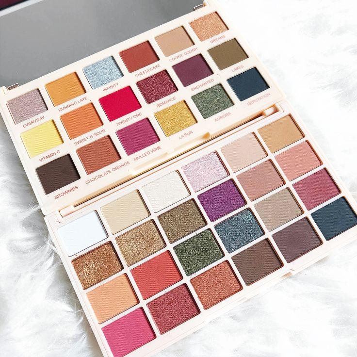 can i have this palette plssss!!!😭😭 Makeup revolution