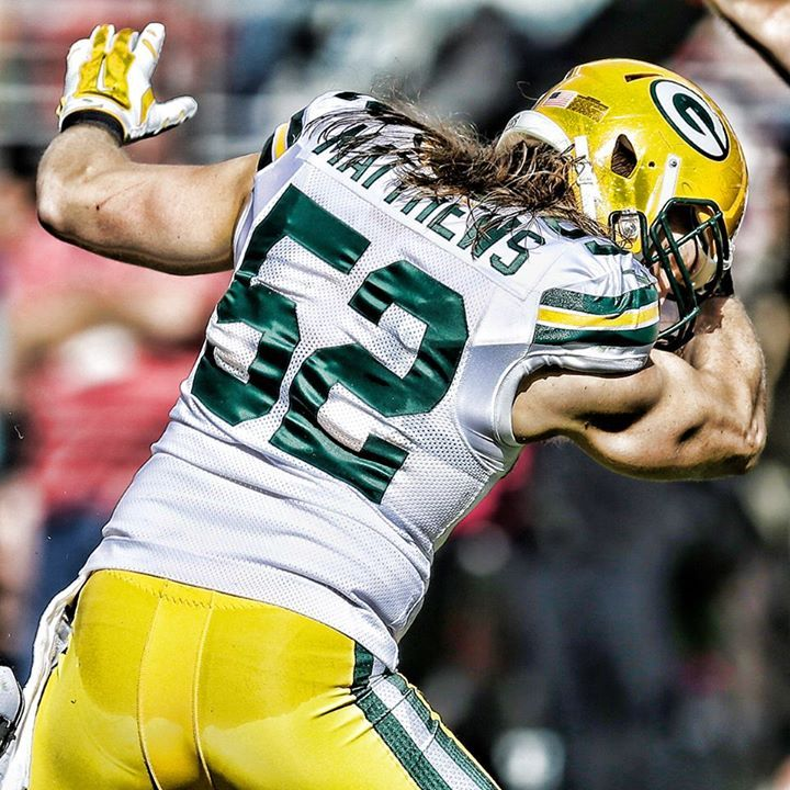 Clay Matthews III Celebrates Sacking Colin Kaepernick By #Kaepernicking!
