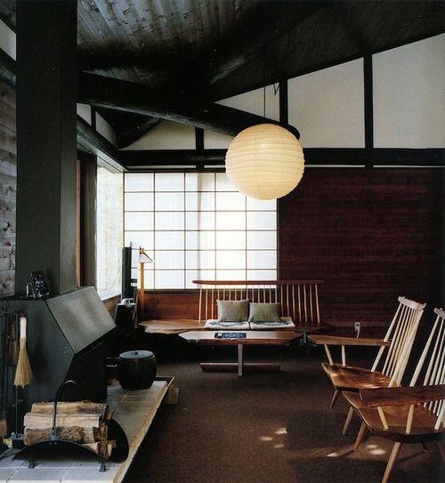 和室、古民家にあう椅子。電気はやっぱりこれだよね。