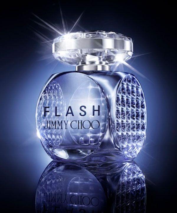 """Abituato ad una clientela esigente, Jimmy Choo, dopo il suo innarrestabile successo con le scarpe femminili, ha deciso di rimettersi in gioco con """"Flash"""".http://www.sfilate.it/215156/profumo-jimmy-choo-brilla-con-flash"""