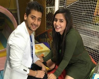 Are Udaan actors Paras Arora aka Vivaan and Meera Deosthale aka Chakor dating each other?