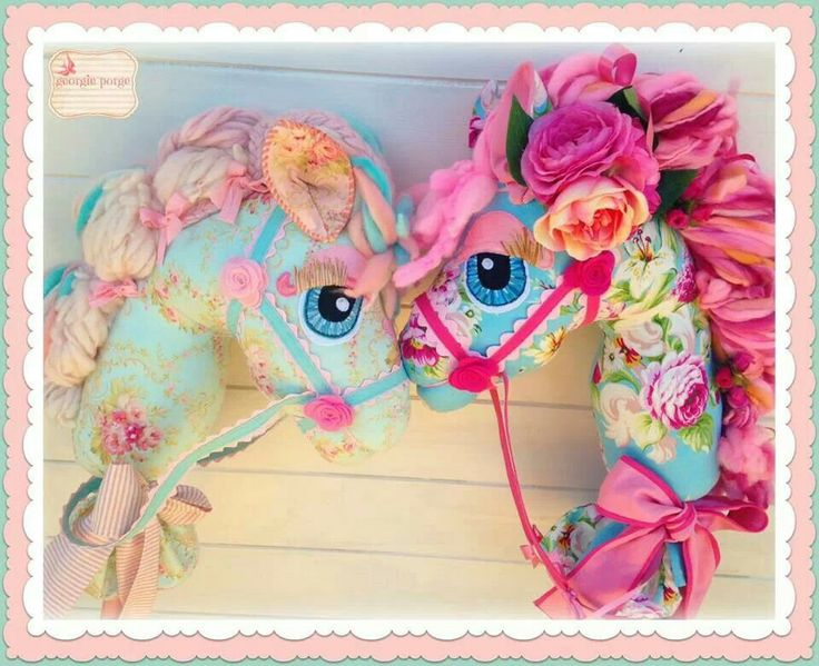 Pattern by whimsy woo. Make your own galloping horse