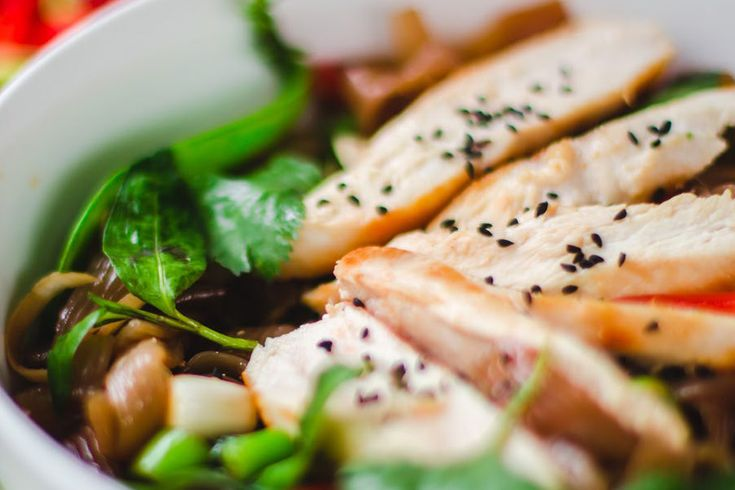 Thai Chicken, Chilli, Basil Noodles - Learn more in the Slendier Information Centre. Recipes, articles and videos for a healthy lifestyle.