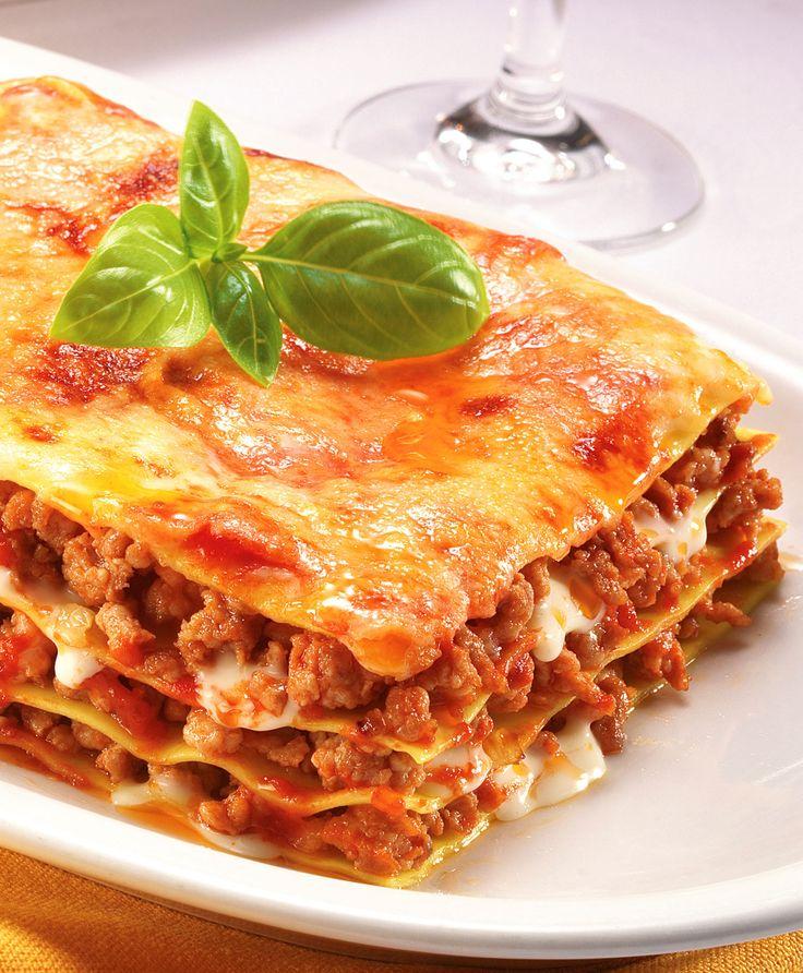 Lieblings-Lasagne: http://www.gofeminin.de/kochen-backen/lasagne-rezepte-d48872.html  #lasagne