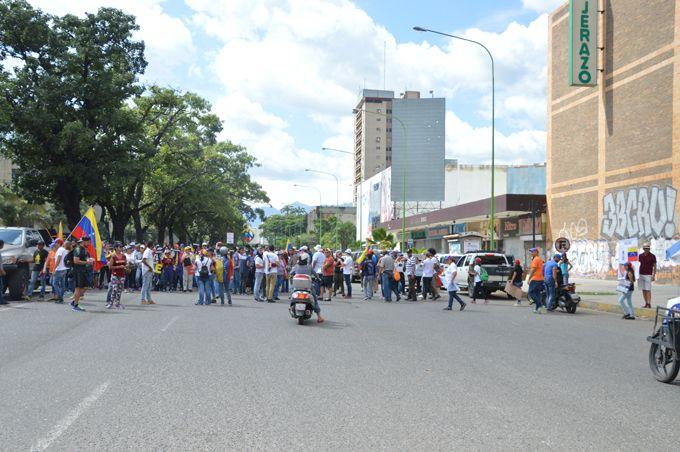 Marcha de la MUD no llegó a plaza Bolívar