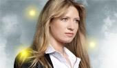 Olivia Dunham (Anna Torv), la única agente televisiva que va de zapato plano. Además de guapa y lista, práctica.