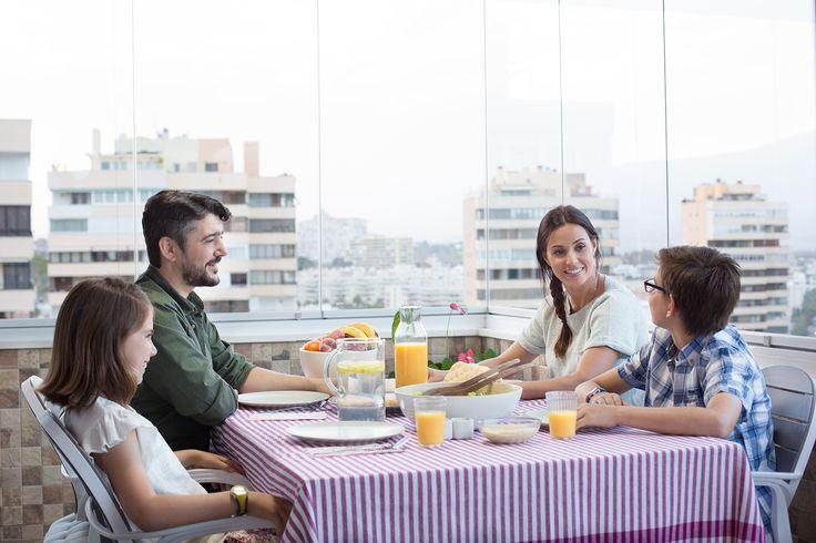 Un desayuno en familia, un momento único que sabrá mejor gracias a #Lumon. ¿Ya disfrutas de tu #terrazaLumon todo el año?