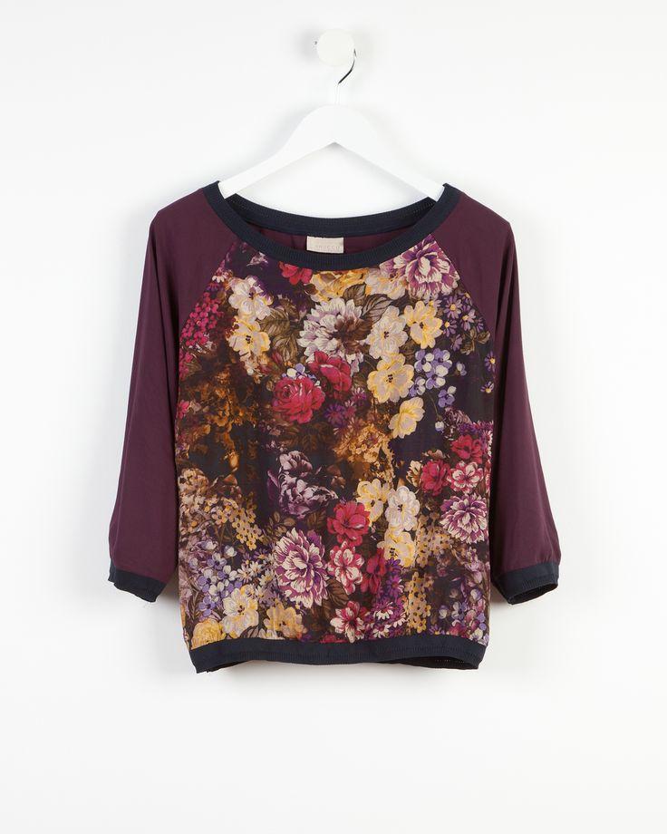 Floral printed blouse http://bit.ly/1uwmuIT Blusa estampado flores http://bit.ly/ZaVi5V