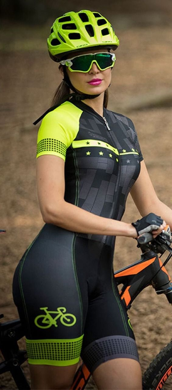 Curves And Lines Women And Bikes Photo Chicas