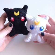 Luna and Artemis - Free Amigurumi Pattern here: http://53stitches.tumblr.com/post/93196661147/luna-and-artemis-amigurumi-pattern