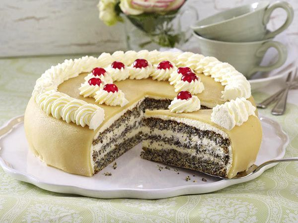 mohn marzipan torte backen so geht 39 s kuchen mohnblumen und mohnkuchen. Black Bedroom Furniture Sets. Home Design Ideas