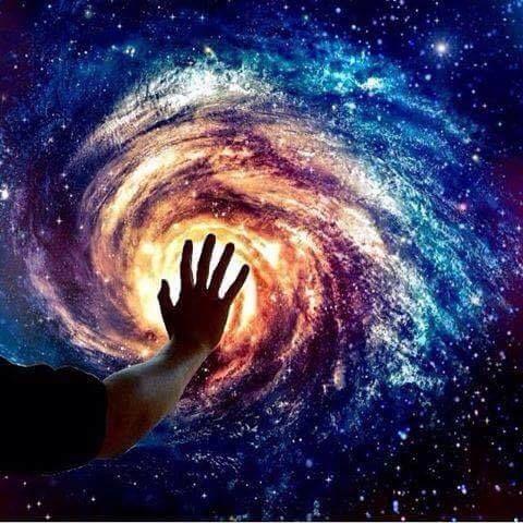 Človek je časťou celku, ktorý nazývame vesmír, časťou obmedzenou v čase a priestore. Vníma seba, svoje myšlienky a pocity ako čosi oddelené od všetkého ostatného – je to akýsi optický klam v jeho vedomí...Našou úlohou je oslobodiť sa z tohto väzenia tým, že rozšírime okruh empatie na všetky živé bytosti a na celú prírodu v jej kráse. Nikto to nedokáže realizovať v plnom rozsahu, ale už aj snaha o to je súčasťou oslobodenia a základom pre pocit vnútornej istoty. – A. Einstein